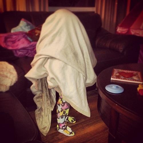 blanket be lying