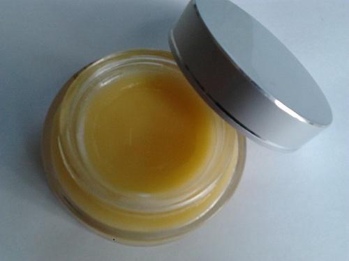 honey as a Lip Moisturizer