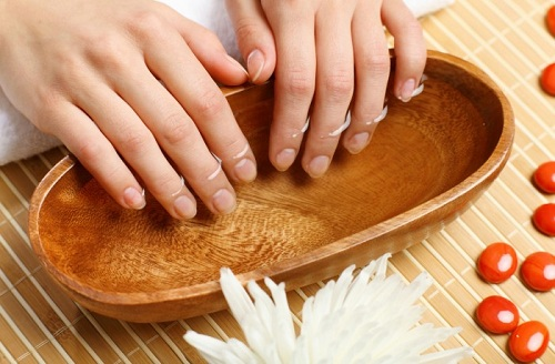 honey as a Nail Strengthener