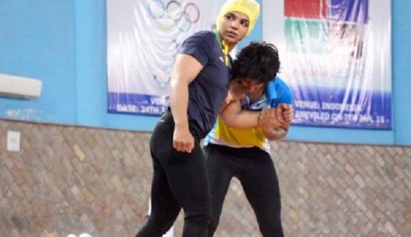 india female wrestlers