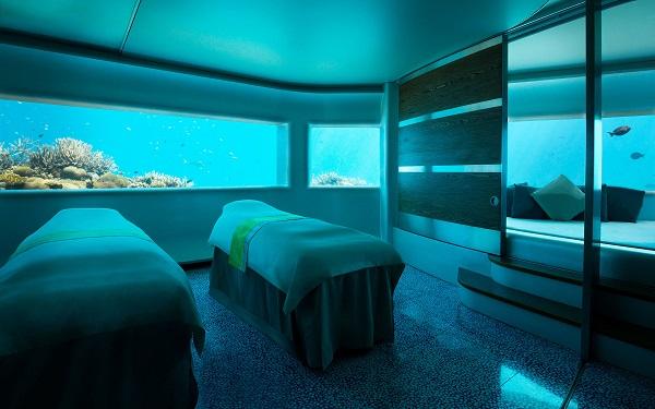Maldives Huvafen Fushi underwater spa